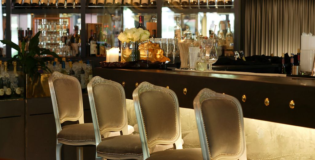 Order a Martini in the exclusive atmosphere of the bar