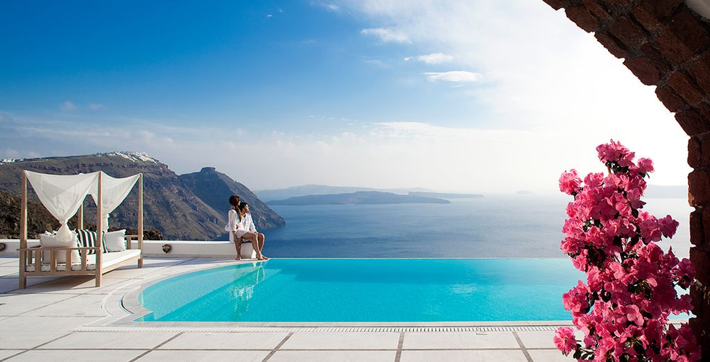 Picture postcard vistas from a breathtaking infinity pool