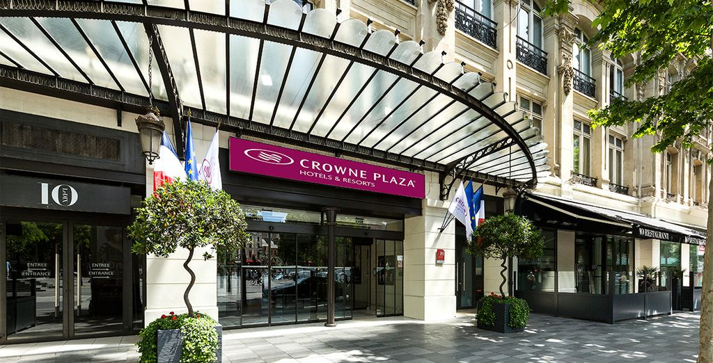 That is the Crowne Plaza Paris-Republique