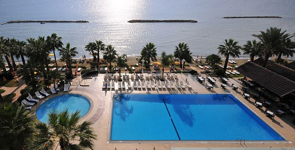 Take a cooling dip in the pool - Palm Beach Hotel and Bungalows 4* Larnaca