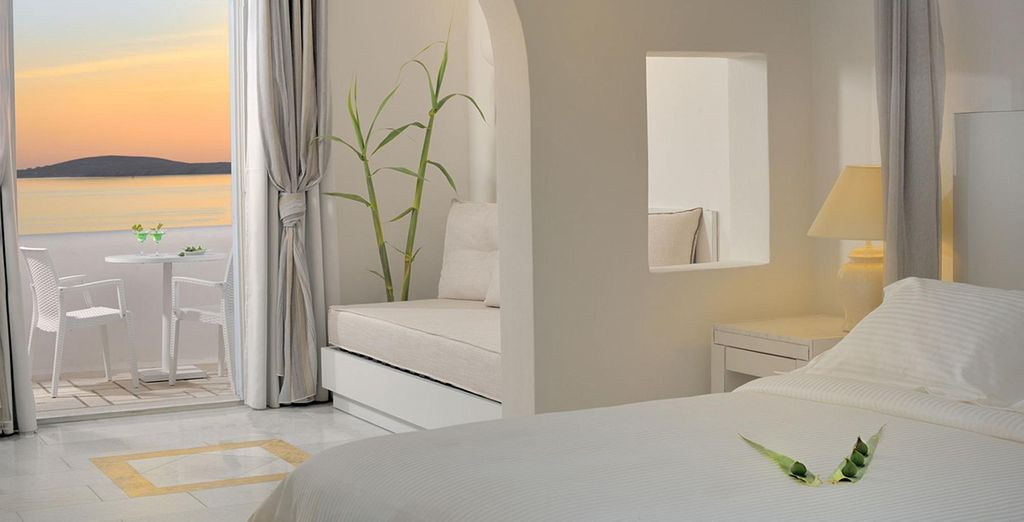 Fitted with soft and simple decor