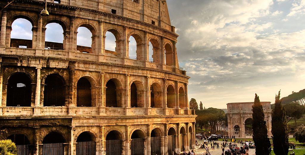 Head out to explore Rome!