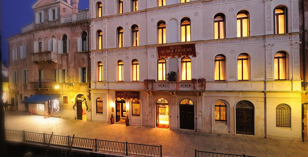 Relish the magical grandeur of Hotel Ai due Principi - Hotel Ai Due Principi 4* Venice