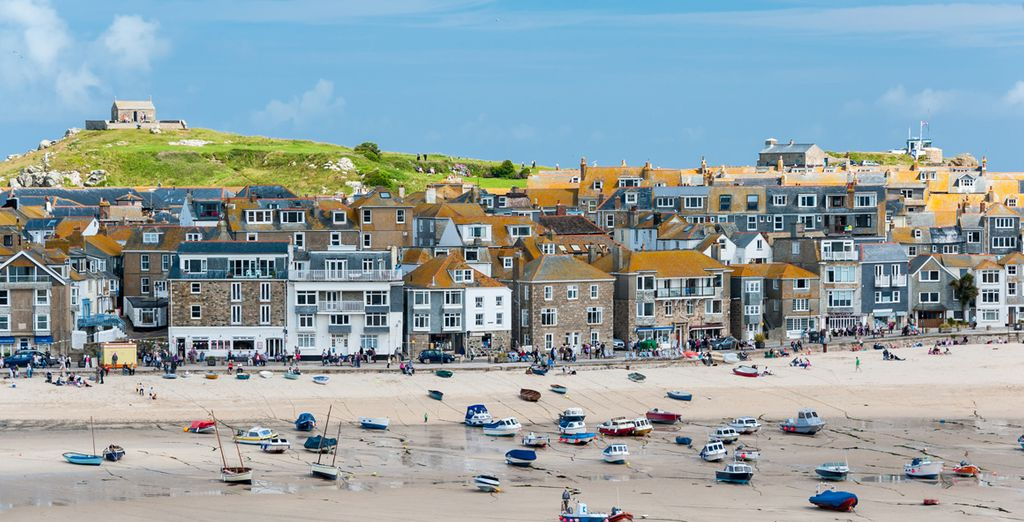 Visit the nearby Cornish village of St Ives