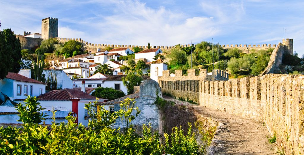 Just a 15-minute drive from the medieval town of Óbidos