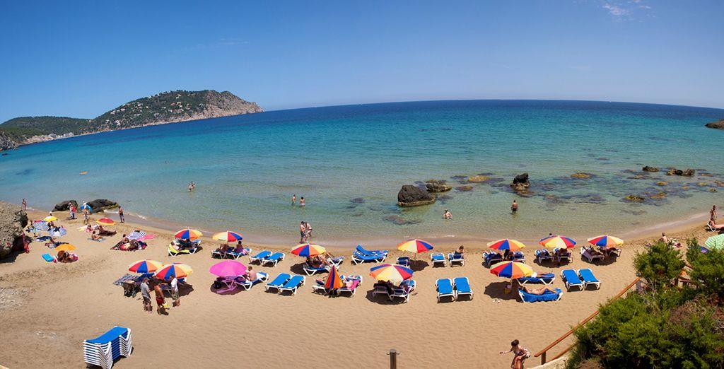 Head to the local Playa d'en Bossa beach