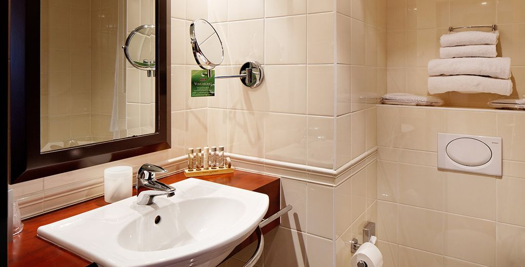 Comes with a modern ensuite