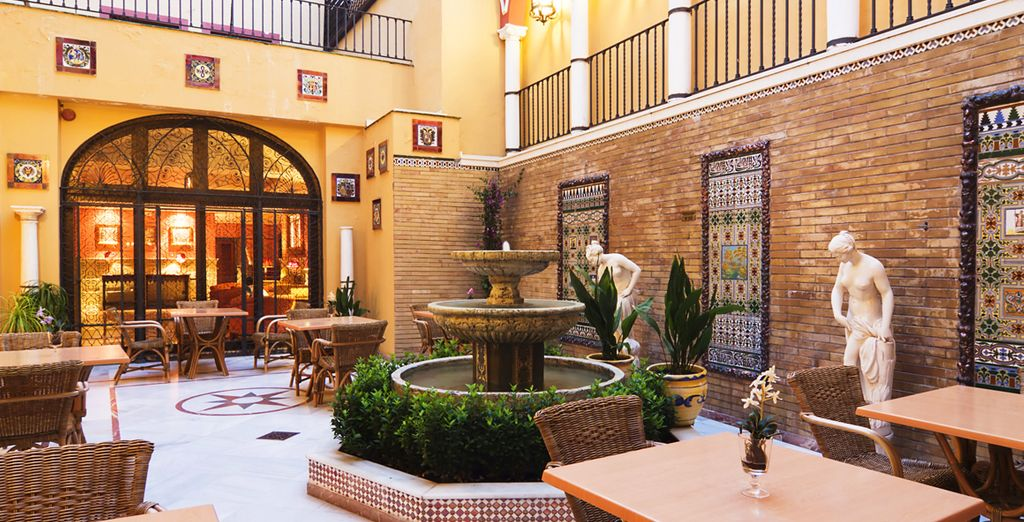 Reviews h10 corregidor boutique hotel 3 voyage priv for Boutique hotel sevilla