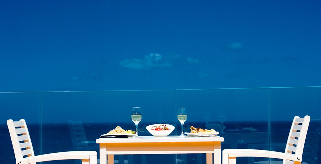 Guests can admire the gorgeous Cretan mountains and the Mediterranean sea from their balcony