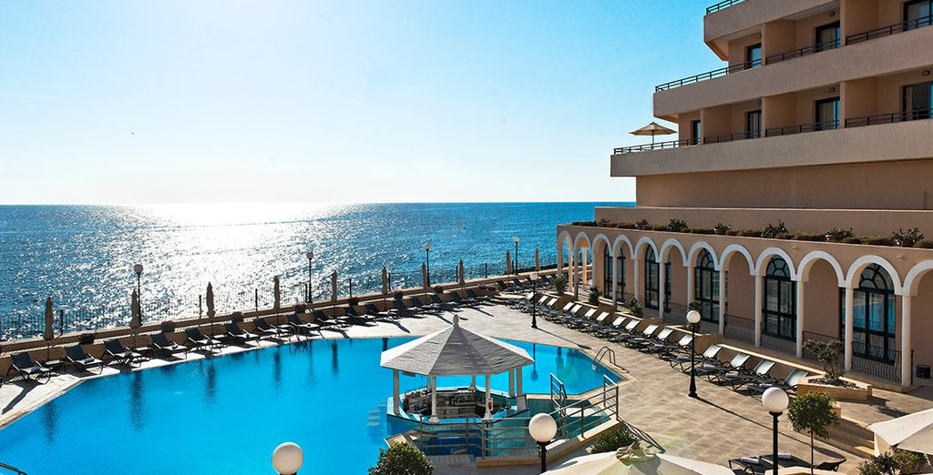With its stunning Mediterranean backdrop, this is a great choice for a luxury break - Radisson Blu St Julian's 5* St Julian's