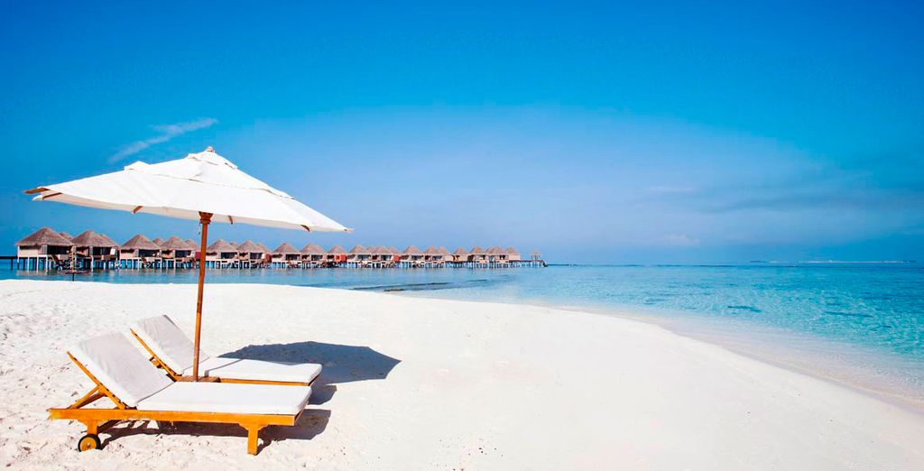 Chill out on the pristine white sands of Adaaran Select Hudhuranfushi