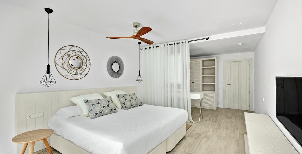 Check in to the Barceló Portinatx - a luxe, modern hotel
