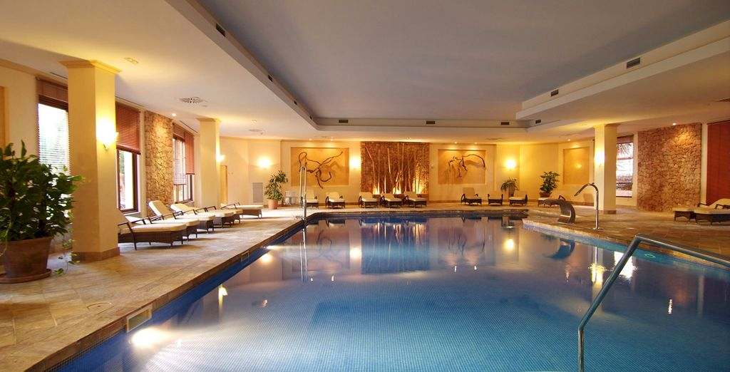The spa features an indoor thermal pool, Turkish baths and sensation showers