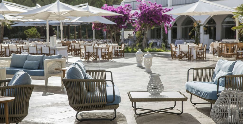 Dine al-fresco and choose from various dining options