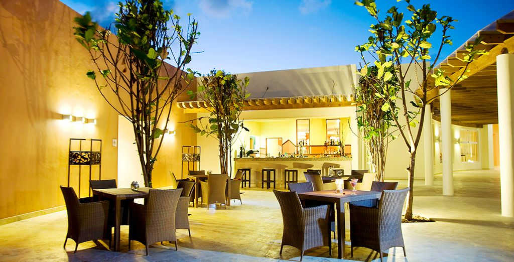 La Habana Cigar Bar offers ample outdoor seating for guests to sit back and enjoy a cigar and cocktail