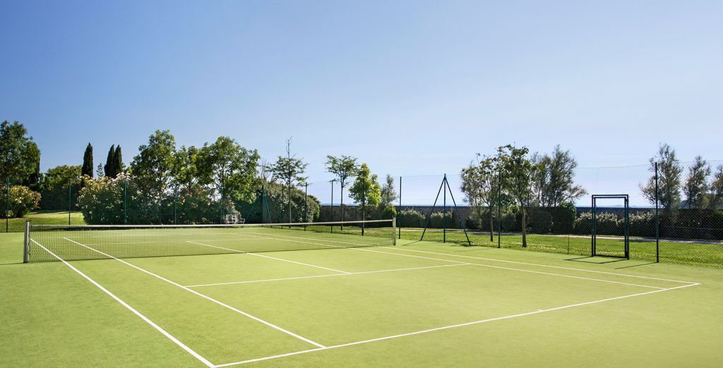 Or play tennis with spectacular views of Venice Lagoon