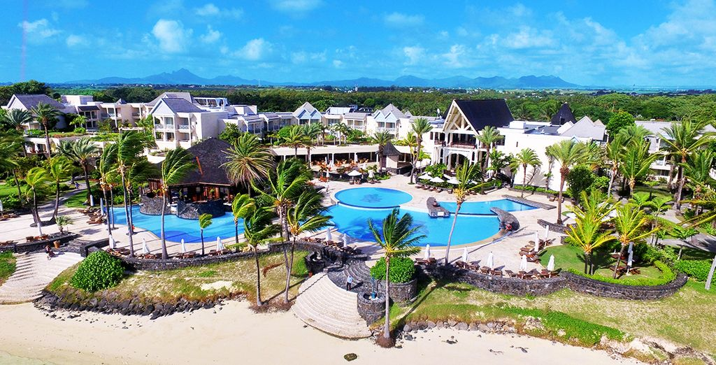 This Indian Ocean paradise offers a beautiful sunny climate and white sand beaches...