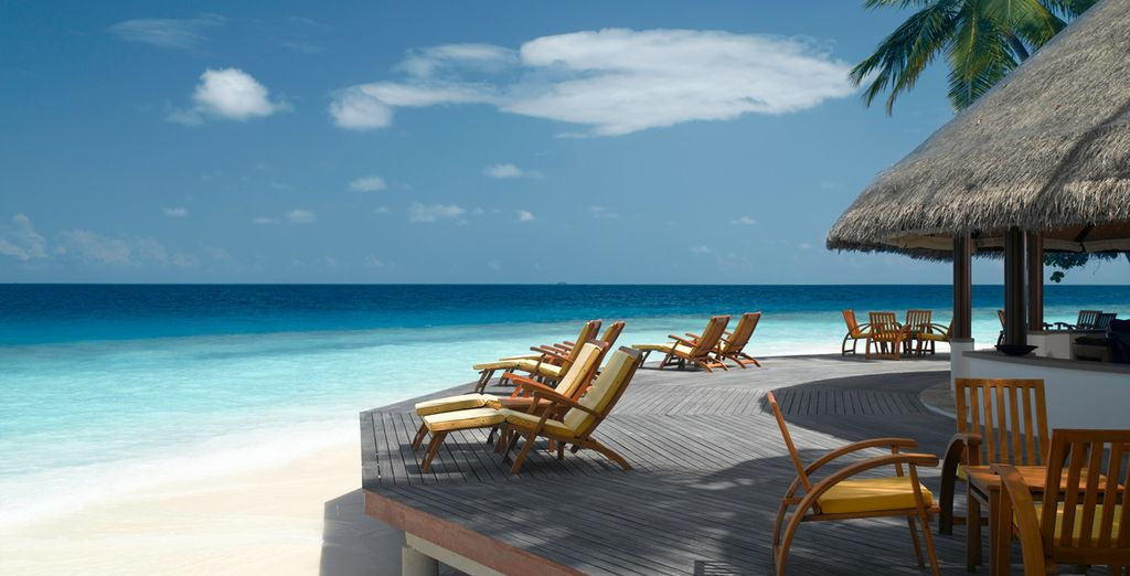 Bathe on the terrace to the sounds of the waves and the beach at your feet