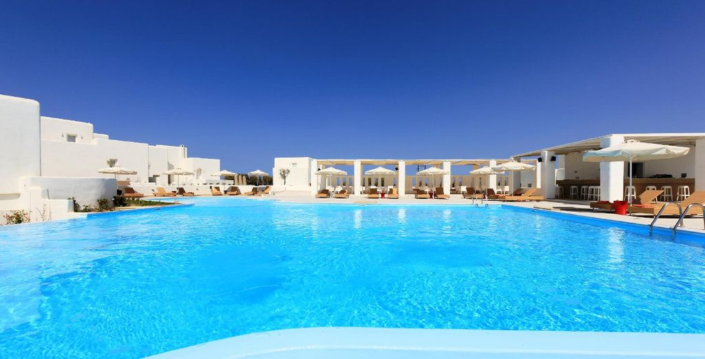 Set off on a graceful Greek island getaway