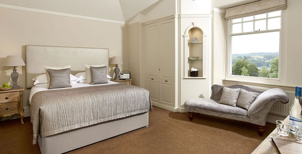 Sleep in a Grand Room, with wonderful views