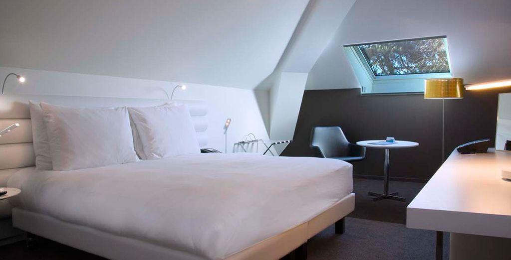 You'll stay in a spacious and comfortable Business Room