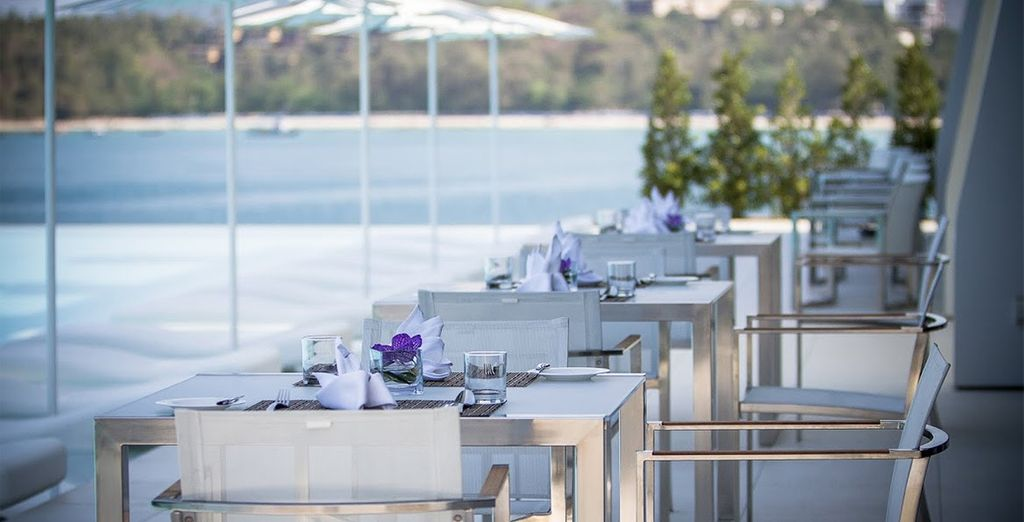 Stay 7, 10, 12 or 14 nights and receive a complimentary dinner for two