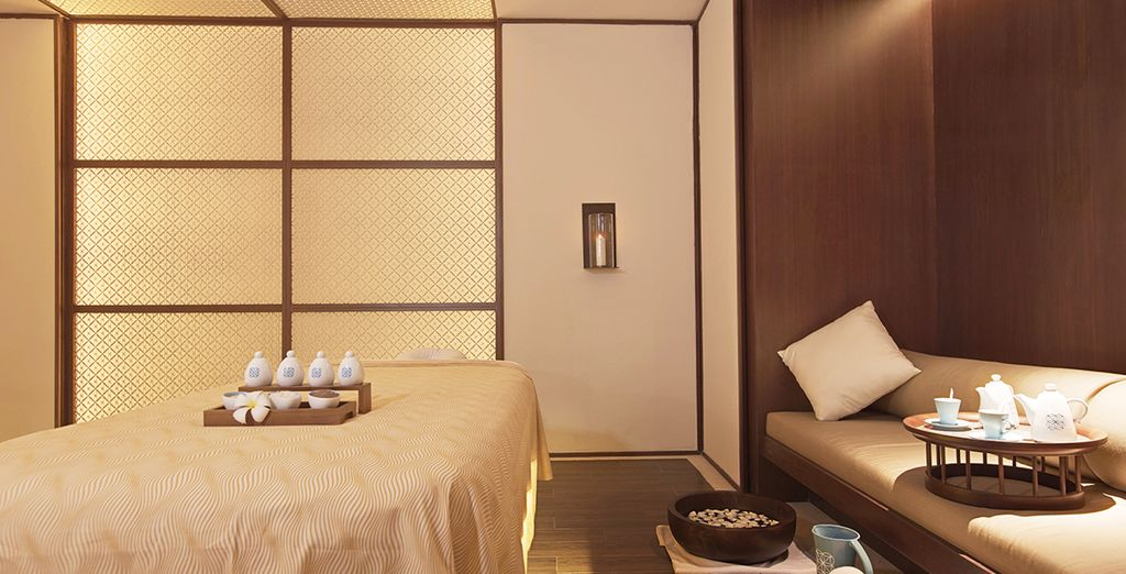 Revel in the relaxing atmosphere and world class service of this prestigious hotel