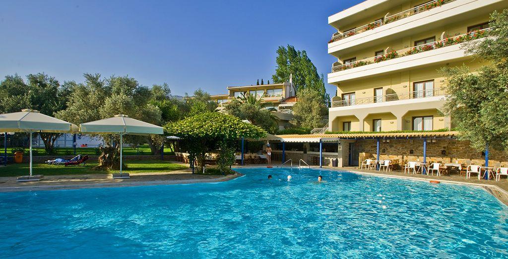 Lies the Miramare Hotel Eretria