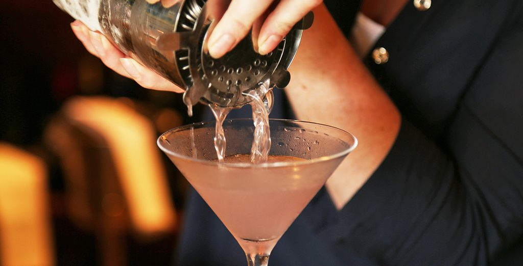 Order cocktails at the bar