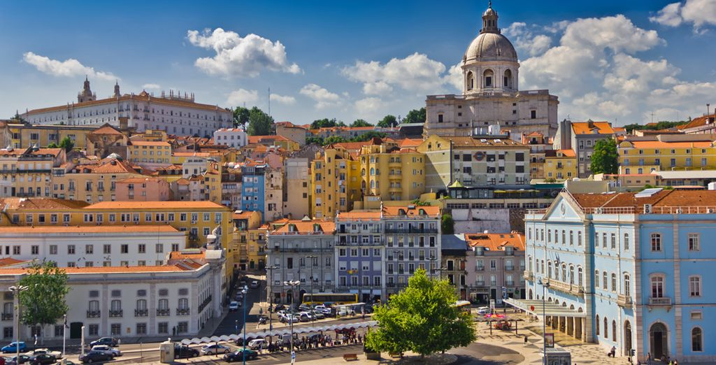 You are only 20 minutes from the beaches and 30 minutes from Lisbon