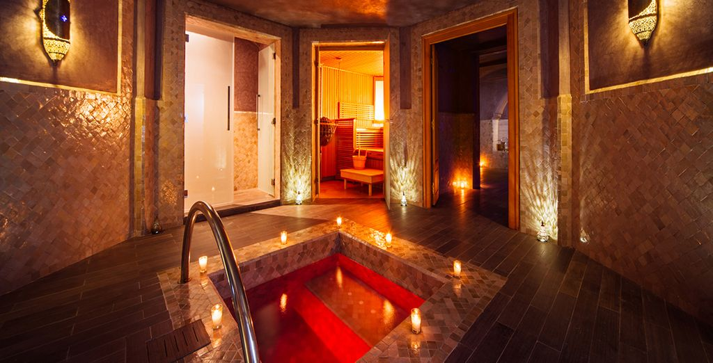 Plunge into the indoor pool or heat up the atmosphere in the hot tub