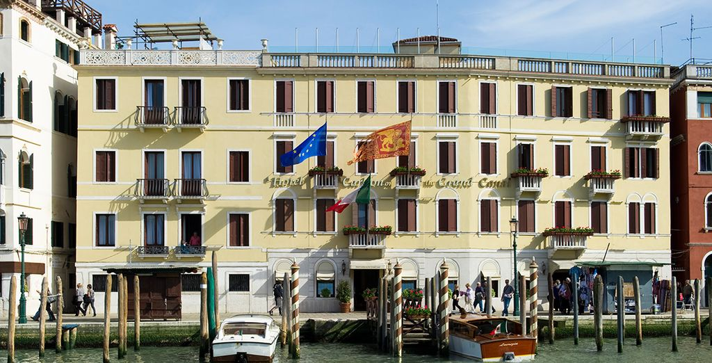 Stay at the Hotel Carlton on the Grand Canal 4*
