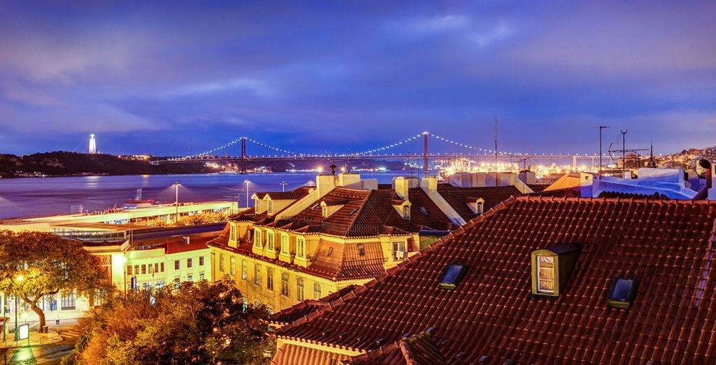 With views over the city and the Tagus River