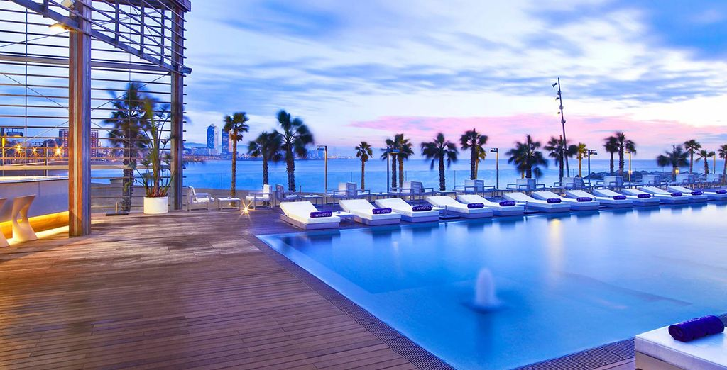 Enjoy the horizon and warm water