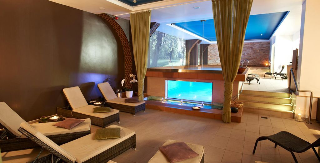 Make use of the superb spa with sauna and plunge pool