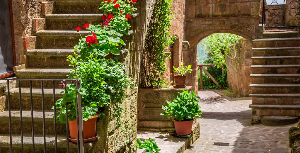 Book your stay and explore all that Tuscany has to offer!
