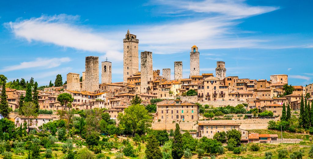 Visit the beautiful San Gimignano,