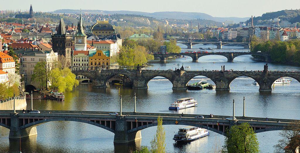 Red blue design hotel prague 4 voyage priv up to 70 for Designhotel elephant prague 1 czech republic