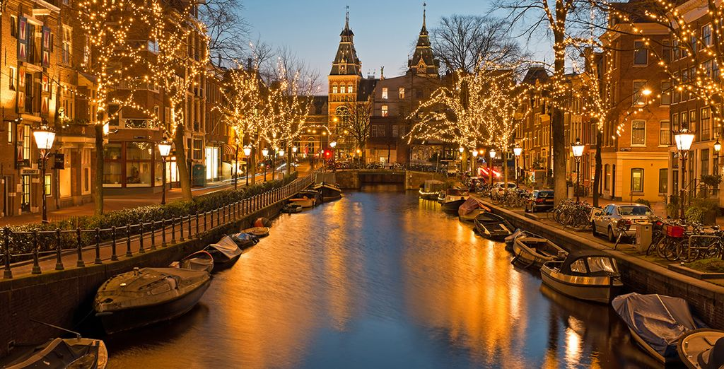 City Breaks in Amsterdam : Canal Cruise