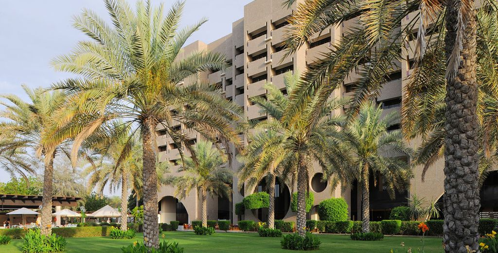 A palm fringed getaway based in the Oman Capital - Intercontinental Muscat 5* Muscat