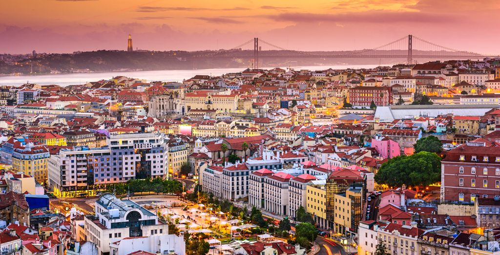 Travel guide to discover Lisbon