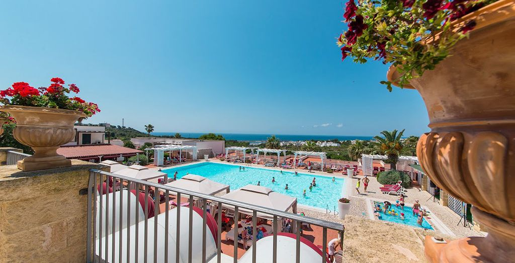 Featuring a large pool and panoramic sea views