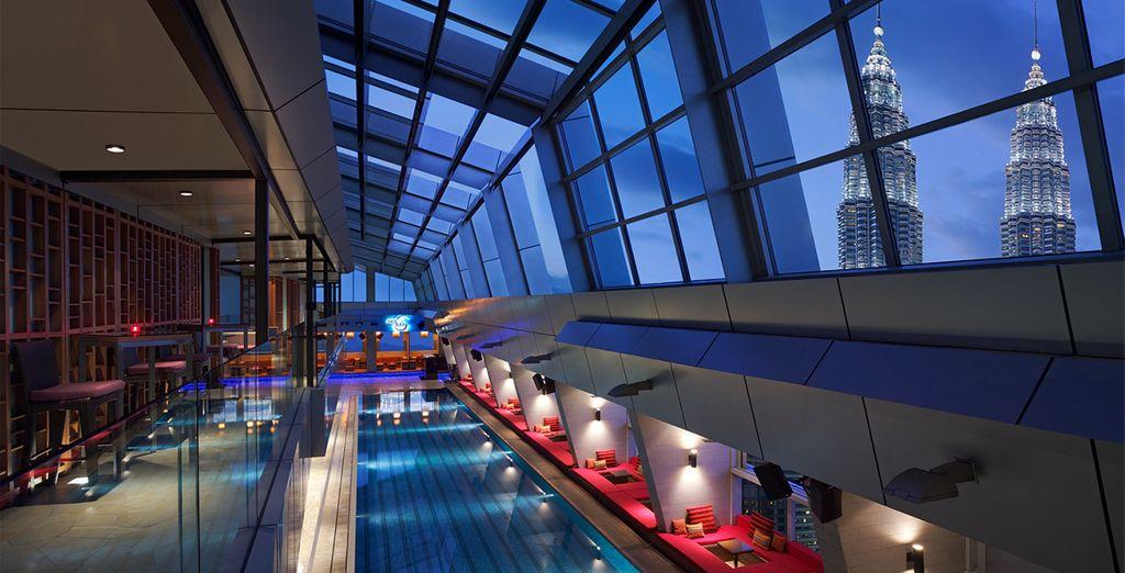 Traders Hotel Kuala Lumpur & Shangri-La Rasa Ria Resort 4/5* - modern hotel in Kuala Lumpur