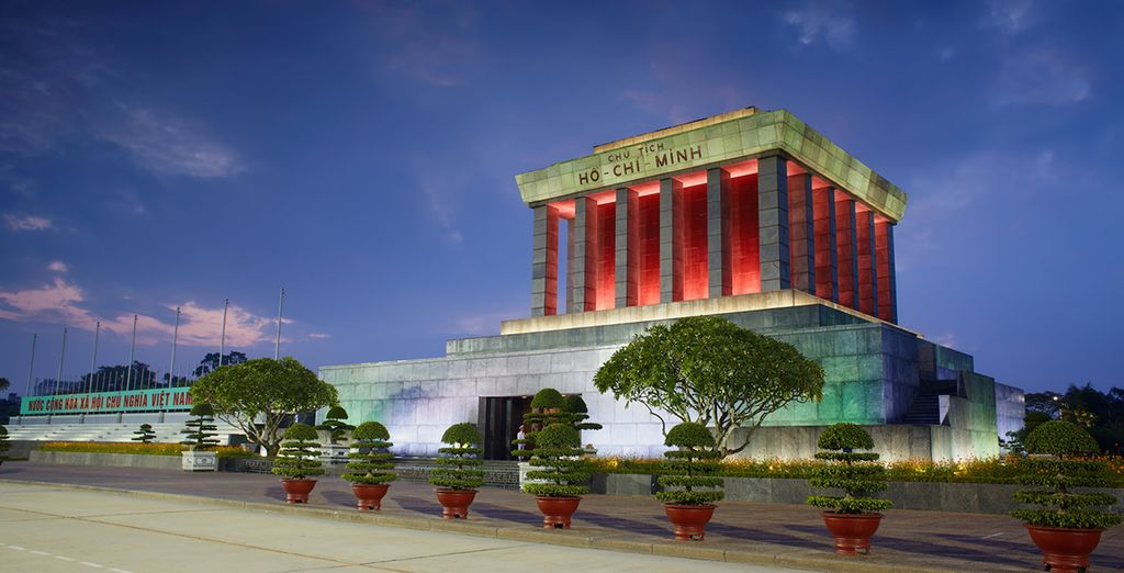 Tour the exciting Ho Chi Minh City
