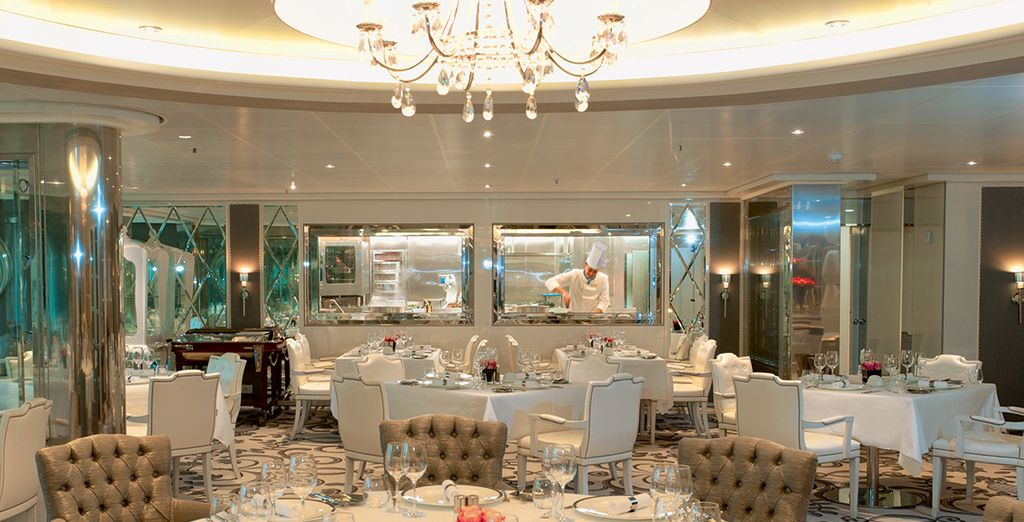 The glitz & glamour of cruises comes alive at night, with a range of eateries...
