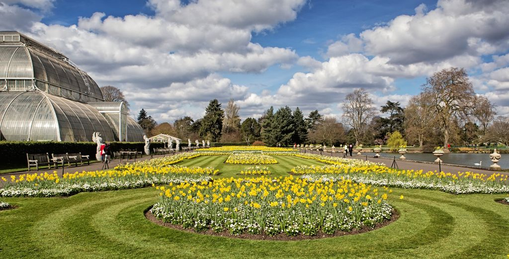 You are just a few minutes from Kew Gardens
