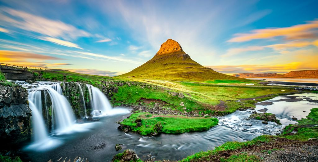 Enjoy the nature and green landscape in Reykjavk