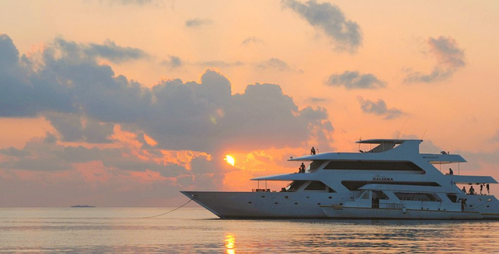 Sunset boat Cruise in Maldives