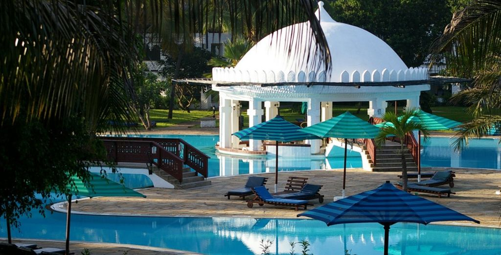 Then spend 4 nights at the Southern Palms Hotel (included in both offers)