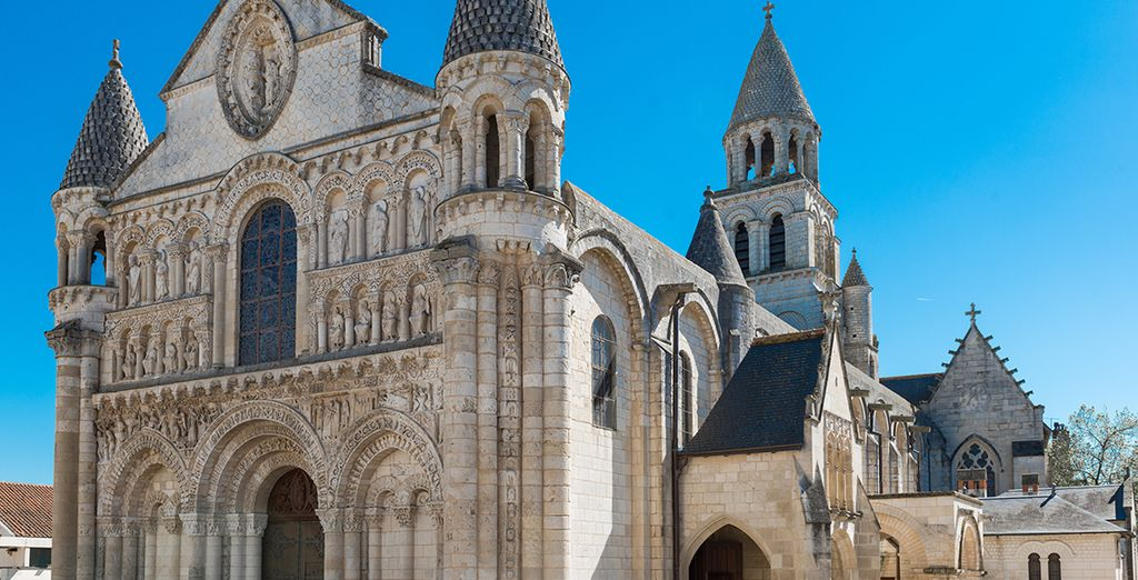 Or nearby towns such as Poitiers